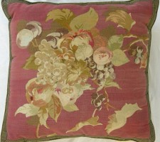 1042P     A  18TH  CENTURY  FRENCH  AUBUSSON TAPESTRY  PILLOW 22 X 21