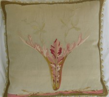 1139P   A 18TH  CENTURY  FRENCH  AUBUSSON  TAPESTRY  PILLOW 20 X 20