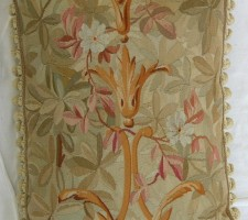 1257P     A  19TH CENTURY  FRENCH  AUBUSSON  TAPESTRY  PILLOW 22 X 17