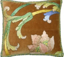1547P   A  18TH  CENTURY  FLORENTINE  TAPESTRY  PILLOW  20 X 16