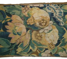 1629P  A 17TH CENTURY FLEMISH TAPESTRY PILLOW 18 X 12