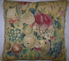 1686P   17TH CENTURY  A BRUSSELS TAPESTRY PILLOW  22 X 22