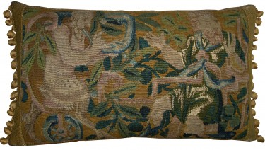 1718P   17TH CENTURY  A  FLEMISH  TAPESTRY  PILLOW  25 X 15