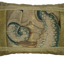 1725P   17TH CENTURY  ANTIQUE BRUSSELS TAPESTRY PILLOW 20 X 14