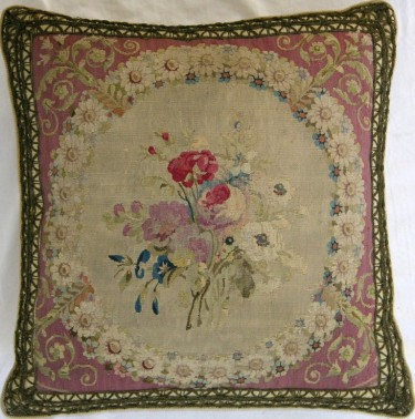 237P     A  18TH  CENTURY  FRENCH  TAPESTRY  PILLOW  17 X 17