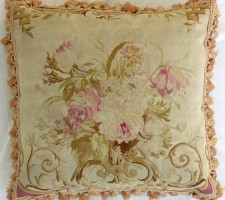238P     A  18TH  CENTURY  FRENCH  AUBUSSON  TAPESTRY  PILLOW 18 X 18