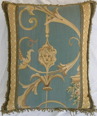 430P     A  19TH  CENTURY  FRENCH  TAPESTRY  PILLOW  18 X 14
