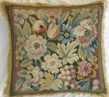 512P     A  19TH  CENTURY  FRENCH  AUBUSSON  TAPESTRY  PILLOW 19 X 19