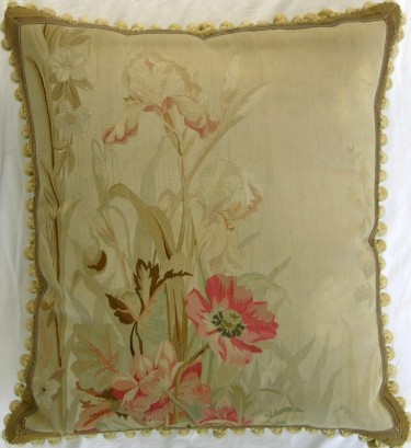 649P     A  19TH  CENTURY  FRENCH  AUBUSSON  TAPESTRY  PILLOW 24 X 22