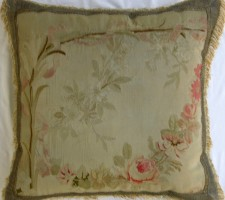790P     A  19TH  CENTURY  FRENCH  AUBUSSON  TAPESTRY  PILLOW  24 X 21
