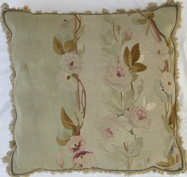 800P     A  19TH  CENTURY  FRENCH  AUBUSSON  TAPESTRY  PILLOW  21 X 21