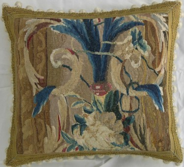 819P     A  17TH  CENTURY  BRUSSELS  TAPESTRY  PILLOW  18 X 16