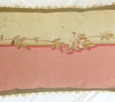 1140P     A  18TH  CENTURY  FRENCH  AUBUSSON  TAPESTRY  PILLOW 27 X 16