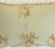 1148P     A  18TH  CENTURY  FRENCH  TAPESTRY  PILLOW 26 X 17
