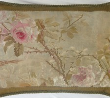 1156P  A  18TH  CENTURY  FRENCH  AUBUSSON TAPESTRY PILLOW 21 X 15