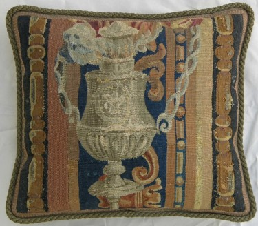 1211P     A  17TH  CENTURY  BRUSSELS  TAPESTRY  PILLOW  17 X 15