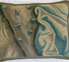 1220P    A  17TH  CENTURY  BRUSSELS  TAPESTRY  PILLOW  20 X 15