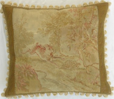 1289P     A  18TH  CENTURY  FRENCH  AUBUSSON  TAPESTRY  PILLOW  19 X 17