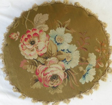 1347P     A  19TH  CENTURY  FRENCH  AUBUSSON  TAPESTRY  PILLOW 17 X 17