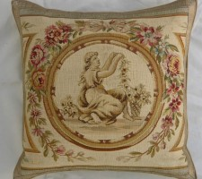 622P    A  18TH  CENTURY  FRENCH  AUBUSSON  TAPESTRY  PILLOW 21 X 20