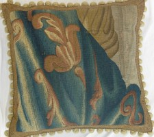 951P     A  17TH  CENTURY  BRUSSELS  TAPESTRY  PILLOW  19 X 19
